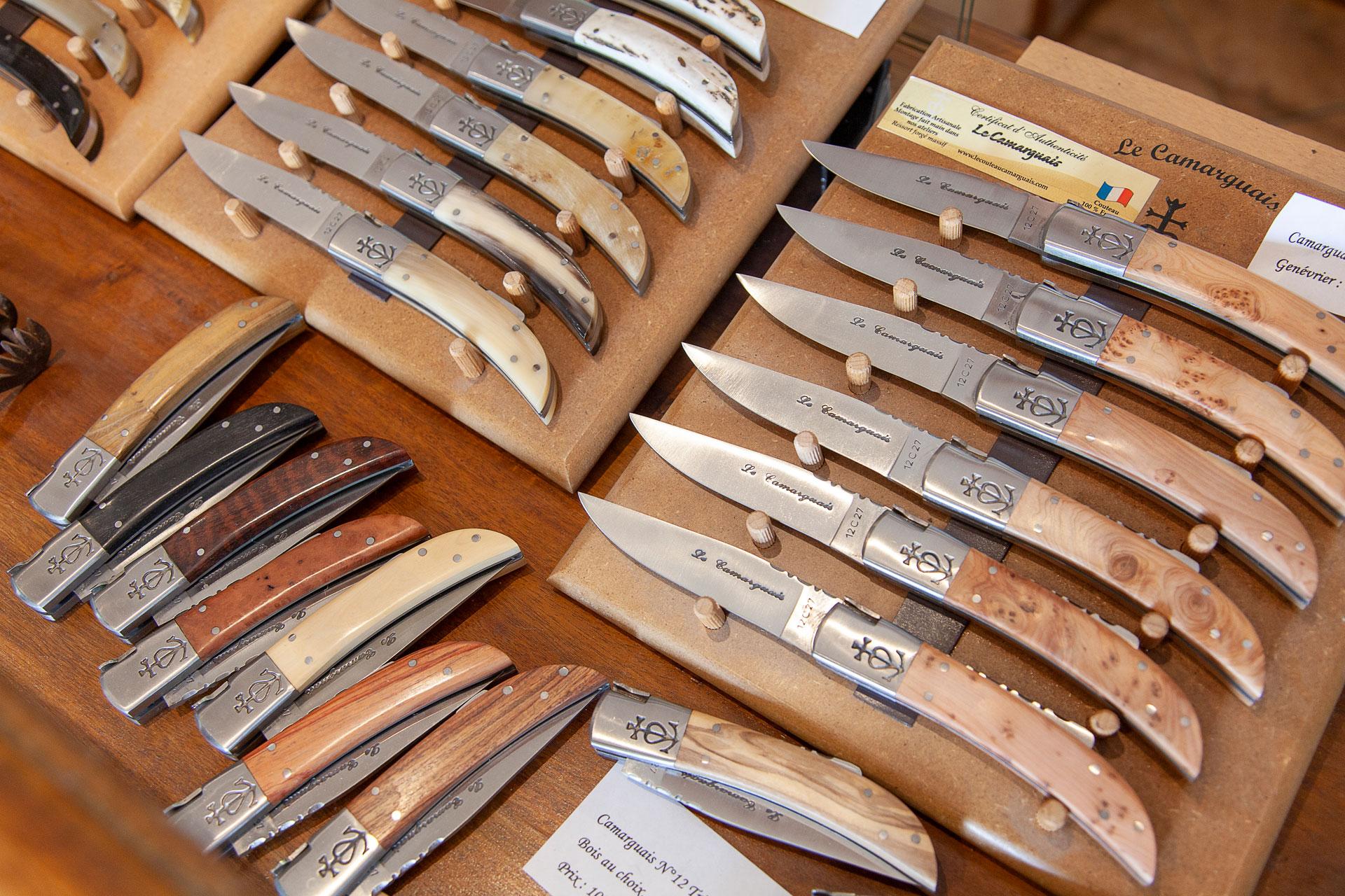 Vente en ligne de couteau traditionnel français Coutellerie Le Camarguais à Nîmes